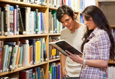 Contoh Percakapan Bahasa Inggris 2 Orang di Perpustakaan Beserta Arti