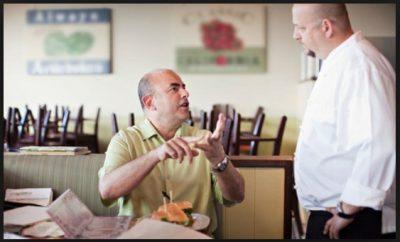 Dialog Bahasa Inggris Komplen Pelanggan Saat Memesan Makanan di Restoran