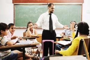 Contoh Dialog Percakapan Bahasa Inggris 3 Orang di Sekolah Dan Artinya