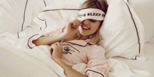 Perbedaan'Wake Up' vs.'Get Up' beserta Contoh dalam Bahasa Inggris yang Harus Kamu Pahami
