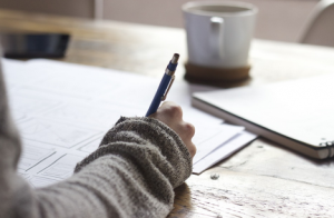 5 Karangan Dalam Bahasa Inggris Terlengkap Beserta Dengan Artinya