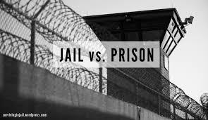 """Perbedaan """"Jail vs Prison"""" Dalam Bahasa Inggris Beserta Contoh"""