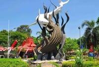 """Contoh Descriptive Text """"Kota Surabaya"""" Dalam Bahasa Inggris Beserta Artinya"""