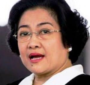 Contoh Biografi 'Megawati Soekarno Putri' Dalam Bahasa Inggris Beserta Arti Lengkap