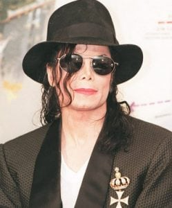 Descriptive Text : Michael Jackson Dalam Bahasa Inggris Beserta Arti Lengkap