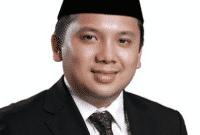Contoh Biogari Gubernur Lampung Dalam Bahasa Inggris Beserta Artinya
