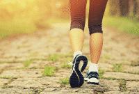 10 Contoh Sinonim 'Walk' Dalam Bahasa Inggris Beserta Contoh Kalimat
